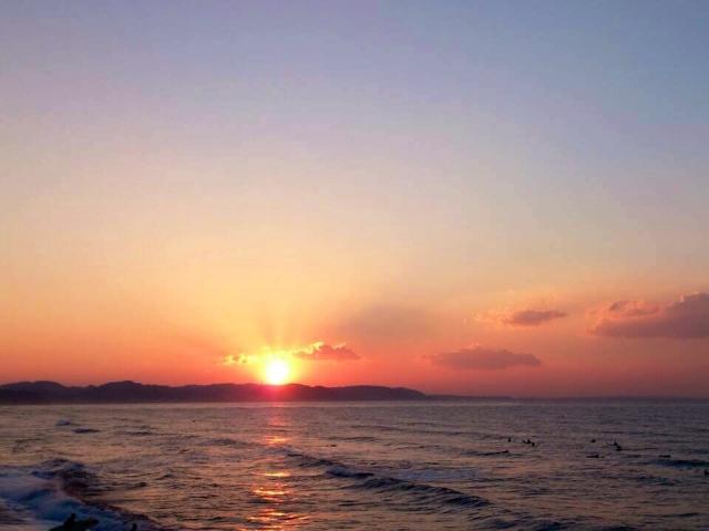 海から昇る初日の出